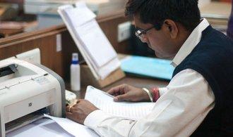 Nedostatek pracovníků mají v Česku zmírnit stovky kvalifikovaných Indů