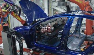 Výroba Tesly Model 3 vázne, nejhorší výrobní peklo však už pominulo
