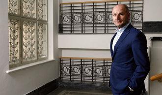 Na sjezd ČSSD se chystá i plzeňský hejtman, začínající podnikatele by osvobodil od daní