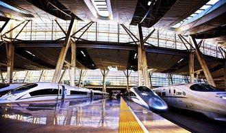 Číňané posilují vliv v Hongkongu skrze novou železnici, varují kritici obřího projektu