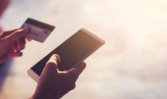 Banky zlepší internetové bankovnictví, hrozí jim konkurence ze strany technologických firem