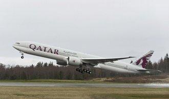 Katar prolamuje izolaci. Jeho letecká společnost chce koupit podíl v American Airlines