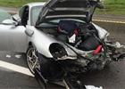 �ikovn� rusk� ru�i�ky ud�laj� i z vraku Porsche 911 z�novn� ojetinu