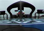 Nová auta poprvé na trati: Oranžový McLaren a maskovaný Red Bull [videa]