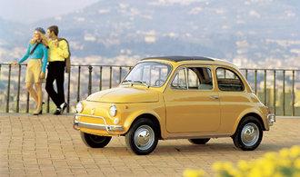 Legendární Fiat 500 slaví 60 let. První majitelé za něj dali šestnáct dělnických platů