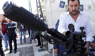 Salvini chce skoncovat s převozy uprchlíků z Francie, na hranici pošle policii