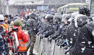 """Od """"Majdanu"""" a pádu Janukovyče uplynuly tři roky. USA podporovaly aktivisty miliony dolarů"""