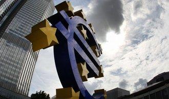 ECB podpořila spekulanty na zhodnocení koruny, s tiskem peněz nepřestane