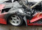 Tohle bol�! Ultravz�cn� Ferrari F40 v Brit�nii sho�elo na popel