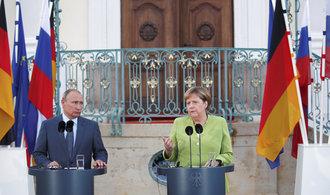 Merkelová se sešla s Putinem, jednají o Ukrajině i Sýrii. Musíme vést trvalý dialog, uvedla