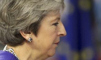 Mayová: Kabinet podpořil připravenou dohodu o brexitu