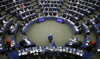 Junckerův investiční balíček funguje, nasypou se do něj další peníze