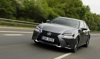 Trh s hybridy se mění, automobilky volí různé technologie