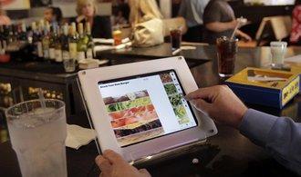 Restaurace stále podvádějí, účtují vyšší ceny cizincům
