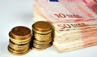 Glosa Jaroslava Bukovského: Jak zvýšit mzdy o třetinu