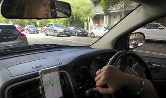 Do alternativních taxislužeb se hrnou řidiči, registrují několikanásobný zájem o práci