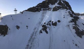 Vítkovo švýcarské středisko zasáhla lavina, záchranáři pohřešují až 12 lidí