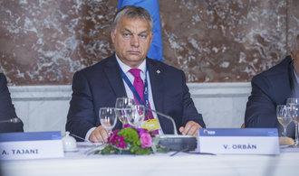 Evropští lidovci pozastavili členství straně Viktora Orbána