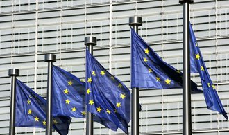 Evropská komise jde i proti Česku, mělo se snažit předejít kauze s emisemi