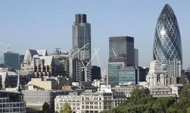 Banky v Británii letos zavřou rekordní počet poboček. Skončí jich 762