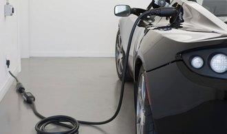 Elektromobily budou v dohledné době levnější než auta se spalovacími motory, míní experti