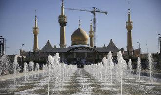Spojené státy uvalily na íránské firmy nové sankce. Vadí jim testy nosných raket