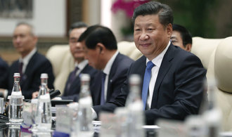 Čínský prezident se vyslovil pro volný obchod, hájil globalizaci