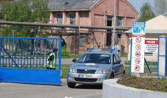 Výbuch v pardubické továrně Explosia zranil tři lidi