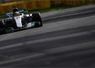 Kvalifikaci na GP Austrálie vyhrál Hamilton, Ricciardo boural
