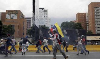 Krize pokračuje. Venezuela vstupuje do generální stávky