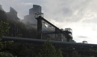 Bývalí horníci ve Virginii bojují s plicními potížemi. Těžaři omezují příspěvky na léčbu