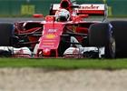 Poslední trénink ukončila nehoda Strolla, nejrychlejší byl Vettel