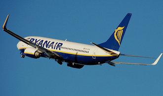 Nizkonákladový přepravce Ryanair prudce zvýšil zisk, ještě v létě sníží ceny letenek