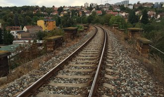 Praha plánuje propojení železnice v metropoli. Projekt