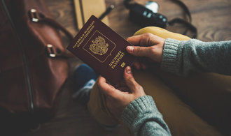 Spojené státy údajně blokují vydávání víz Rusům, stěžuje si Moskva