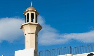 Srbové zbourali mešitu. Byla postavena bez povolení, argumentují