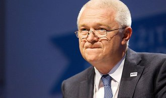 ANO na podmínku o odstoupení odsouzeného člena vlády nepřistoupí, vzkazuje Faltýnek