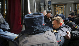 V Rusku propukly protesty proti korupci, policie zatkla vůdce opozice