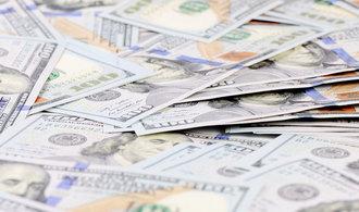 Dolar doplácí naTrumpa. Výrazně vůči jiným měnám oslabil