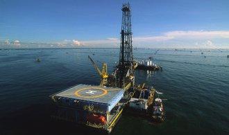 OPEC a Rusko zvažují zvýšení těžby ropy o milion barelů, tvrdí Reuters