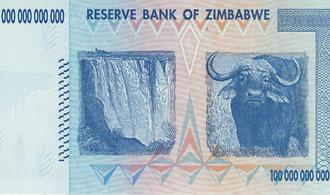 Prohlédněte si surrealistické bankovky. V Zimbabwe se za běžné nákupy platí biliony