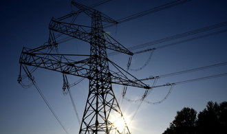 Cena elektřiny v Česku prorazila hranici sto eur