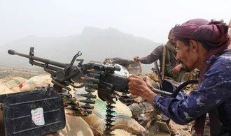 Saúdové jsou pod tlakem, Jemenu svítá naděje