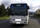 Policie opět nasadila do akce šmírovací autobusy. Natáčela přestupky řidičů