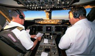 Letečtí dopravci dále šetří, v kokpitu by mohl do pěti let zůstat jen jeden pilot