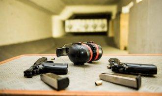 Poslanci schválili novelu o zbraních, proti návrhu jich bylo jen devět