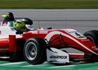 Schumacherova vítězná série skončila. K titulu ve F3 má ale velmi blízko