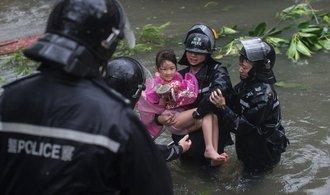 Tajfun na Filipínách už má přes sedmdesát obětí, další desítky osob se pohřešují