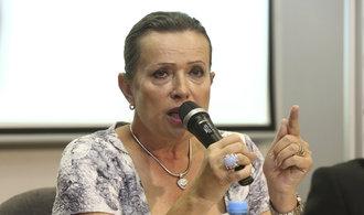 Komentář Aleny Vitáskové: Kdo mydlí schody premiérovi? Může se premiér dočkat dalšího obvinění?