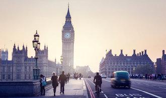 Finanční situace Britů se rapidně zhoršuje, inflace roste rychleji než platy